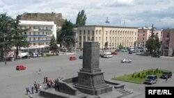 Gori: Sheshi ku qëndronte statuja e Stalinit.