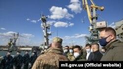 Наверсні Володимир Зеленський був у Бердянську – там планують побудувати першу військово-морську базу ВМС за понад 500 млн грн