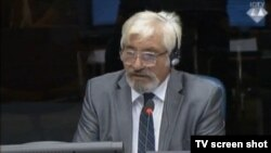 Desimir Šarenac u sudnici Haškog suda, 24. rujna