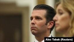 Kiçik Donald Trump Nyu Yorkda boşanma məhkəməsində