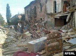 Разрушенные российскими ВВС жилые дома в Гори, 20 августа 2008