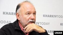 Український письменник Андрій Курков під час презентації своїх книг, у Харкові, 29 листопада 2017 року