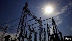 صادرات برق ایران طی دو سال گذشته به شدت افت کرده و واردات برق نیز افزایش یافته است.