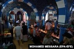 تصویری از کنیسه جربه به هنگام مراسم امسال یهودیان در این مکان