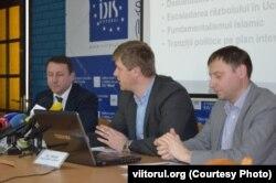 Igor Munteanu, Veaceslav Berbeca și Ion Tăbârță (de la stânga la dreapta)