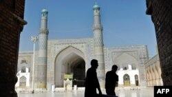 Ауғанстан тәуелсіз сайлау комиссиясының мүшелері соңғы дайындық жұмыстарын жүргізуде. Герат, 19 тамыз, 2009