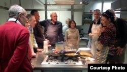 """""""Кухня салідарнасьці"""" паміж бэльгійцамі і мігрантамі"""