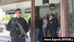 Hapšenja u Prištini, 6. maj 2016.