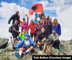 Udhërrëfyesit e Trek Balkan me turistët e huaj