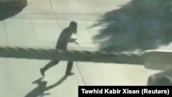 Нью-Йорк шабуылын жасады деген күдікті көшеде жүр. 31 қазан 2017 жыл. Видеодан алынған скриншот.