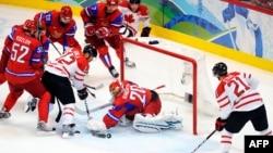 Канадці перемагають росіян у чвертьфіналі Олімпіади у Ванкувері, 2010 рік (архівне фото)
