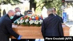 Похороны в Бергамо