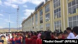 В Вахдате проходят торжества по случаю Дня национального согласия