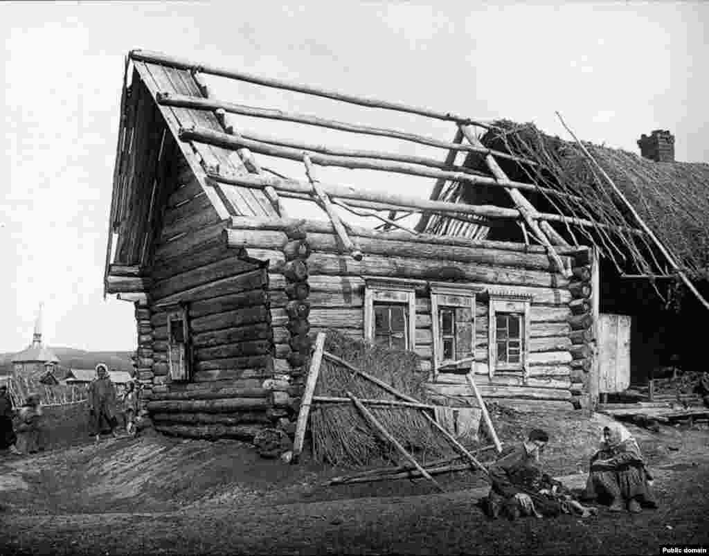 Түбән Новгород өлкәсе Сергач өязендәге татар авылы Кадомкада Салаватовлар өе, 1891-1892