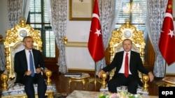 Predsjednik Turske Recep Tayyip Erdogan i generalni sekretar NATO-a Jens Stoltenberg u Istanbulu, gdje se održava 62. Skupština Alijanse 21. novembra 2016.
