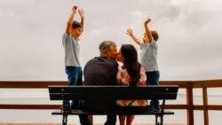 خانواده ایرانی و حذف عشقورزی در حضور فرزندان