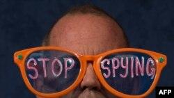 ABŞ-ın telefon danışıqlarını dinləməsinə etirazçı, 29 oktyabr 2013-cü il, Vaşinqton
