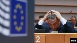 Premierul maghiar Viktor Orbán, criticat de euro-deputați în Parlamentul European, Bruxelles, 26 aprilie, 2016
