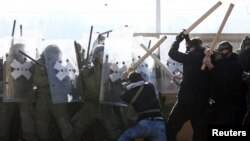 Вчерашните судири меѓу косовските Срби и припадниците на КФОР.