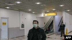 Aeroportoi në Beograd, 15 mars, 2020.