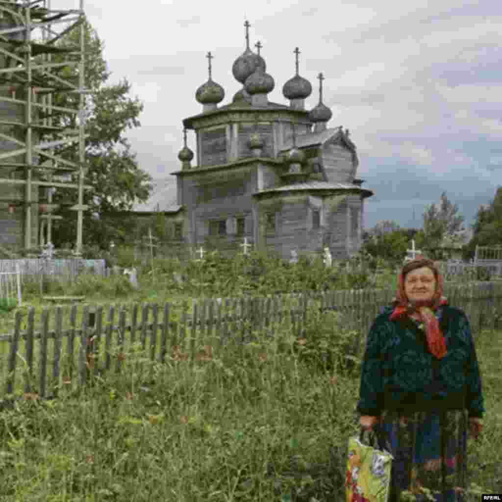 Russia's Vanishing Wooden Churches #9