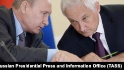 Владимир Путин и Андрей Белоусов в 2016 году