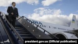 Президент України Петро Порошенко прибув з візитом до Великобританії, 18 квітня 2017 року