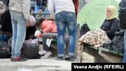 Izbeglice dočekale zimu u parku