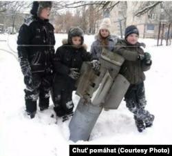 Дети, живущие рядом с линией соприкосновения в Донбассе
