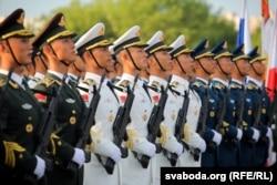 Китайські військовослужбовці – традиційні учасники військових парадів у Білорусі. На фото 1 липня 2019 року вони на репетиції параду з нагоди Дня незалежності Білорусі 3 липня