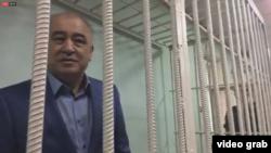 Өмүрбек Текебаев сот залында. 5-июнь, 2017