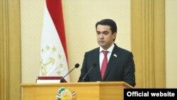 Рустам Эмомали, глава сената Таджикистана. Душанбе, 17 апреля 2020 года.
