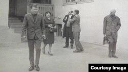 Саид Бекіровтің (алдыңғы қатарда) шетелдік маман қызыққан костюмі. Алматы, 1968 жыл