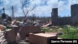 Снимка от района на ромската махала в Царево. В нея живеят някои от най-бедните жители в страната.