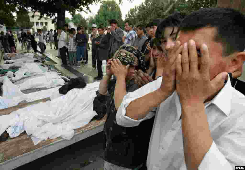 Расстрел мирной демонстрации в Андижане #6