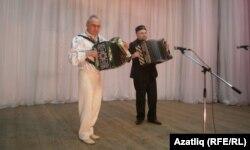 Зөфәр Галләмов (с) һәм Рәшит Мәүләвиев