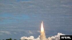 """""""Atlantis"""" корабы Флорида үзәгеннән юлга кузгала, 16 ноябрь 2009"""