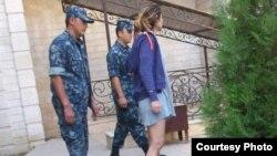 Фотография Гульнары Каримовой, которая предположительно находится под домашним арестом, распространенная 16 сентября.