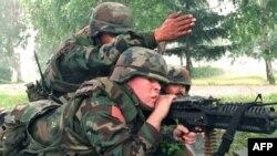 Американские солдаты во время многонациональных миротворческих учений в Западной Украине