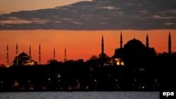 Стамбул. Айя-София – бывший православный собор, бывшая мечеть, а ныне – музей