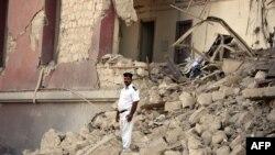 ویرانه ناشی از انفجار بمب مقابل کنسولگری ایتالیا