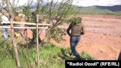 Ливневые дожди и сход селей в Таджикистане продолжаются с начала месяца.