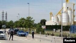 Ֆրանսիա - Ոստիկանները աշխատում են հունիսի 26-ի ահաբեկչության վայրում