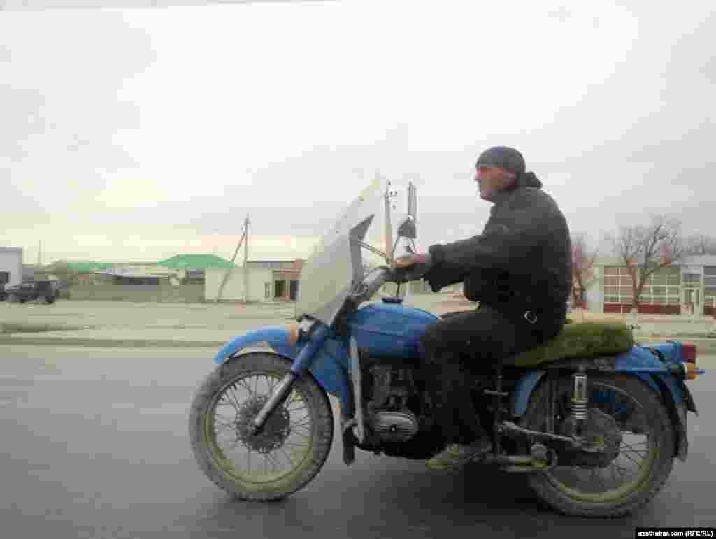 На дорогах Туркменистана