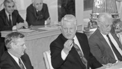 """Грани Времени. Соперник Ельцина, """"крестный отец"""" Путина и Медведева?"""