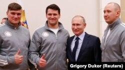 Владимир Путин во время встречи с олимпийскими атлетами из России, 31 января 2017 года
