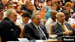 Мастодонты: Фидель, Рауль и прежний первый зампред Госсовета 82-летний Рамон Мачадо Вентура