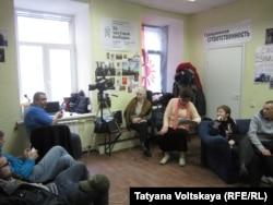 """В офисе """"Гражданского комитета"""" на Невском проспекте"""