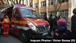 Școala 133 din Capitală, igienizată recent, a fost evacuată după ce mai mulți elevi au spus că nu se simt bine