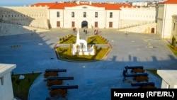 Внутрішній двір Костянтинівського равеліну